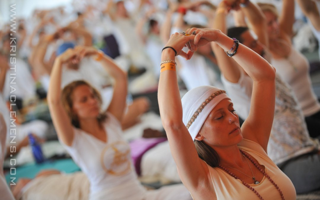 Kundalini Yoga Sadhana for the Cast of Glee!