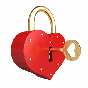 romantic heart padlock
