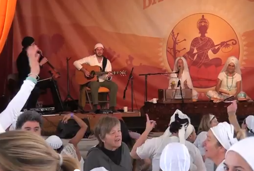 Video:  Snatam and Gurmukh Make Us Dance at Sat Nam Fest!