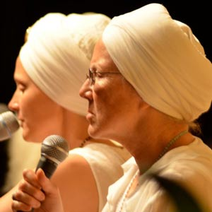 Prabhu Nam Kaur and Snatam Kaur - a live musical treat