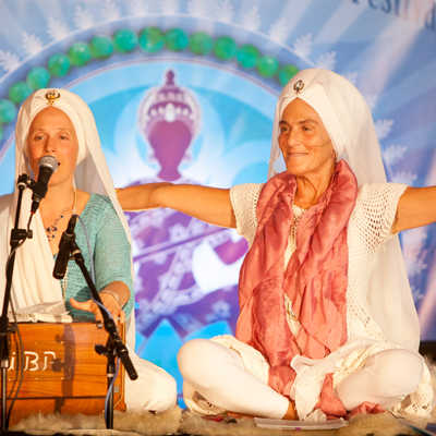 Gurmukh discusses Sat Nam Fest and teaching with Snatam Kaur