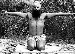 Yogi Bhajan meditating in the early days of his life...